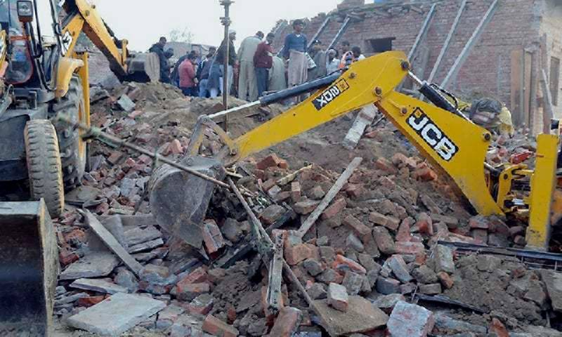 House collapses in north India, killing 13 family members
