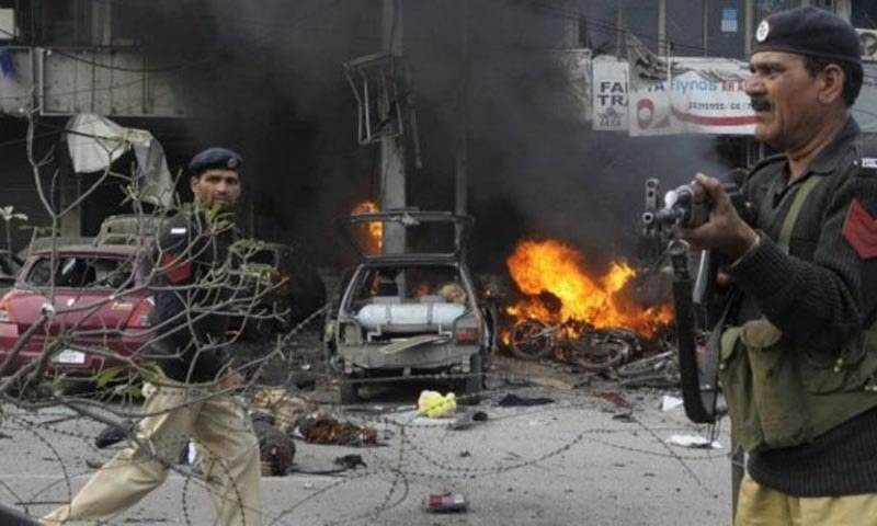 5 killed, 25 hurt in suicide attack near Lahore's Police Lines