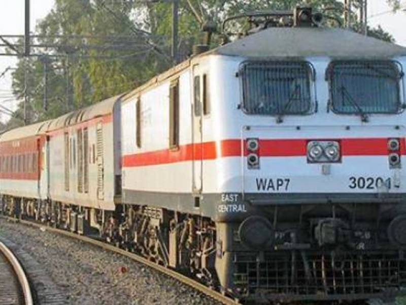 Newborn survives fall through train toilet in India