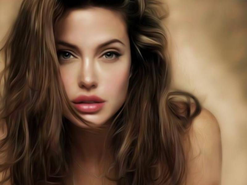 Angelina Jolie got ovaries removed fearing cancer