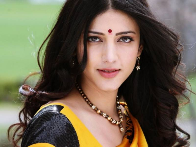 Case filed against Indian actress Shruti Haasan for missing shoots