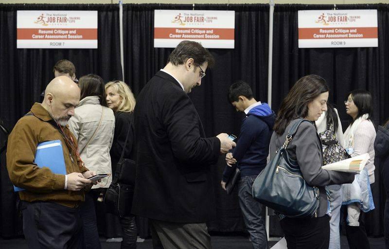Asian shares rise as US jobs data awaited
