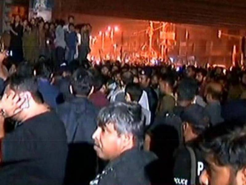 Attack on PTI election camp by MQM workers