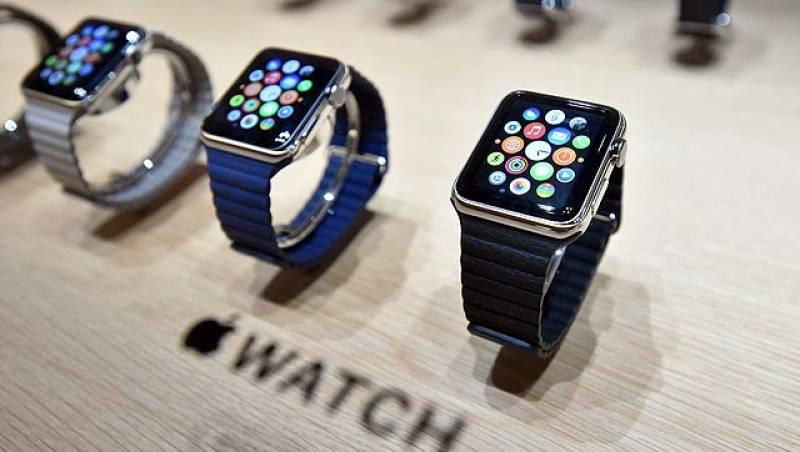 Apple's smart-watch receives 'negative' reviews