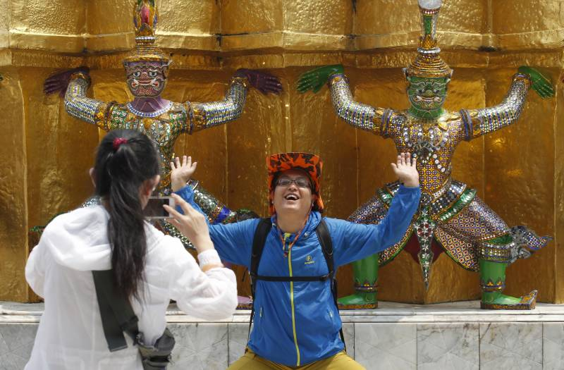 China to document its 'uncivilised' tourists abroad