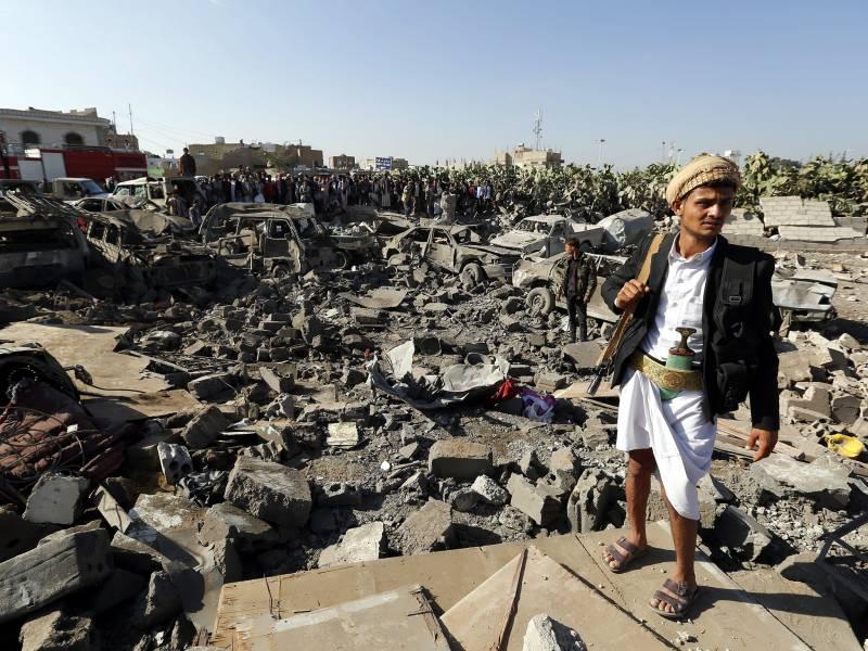 Iran condemns Saudi strikes; Houthis still on advance