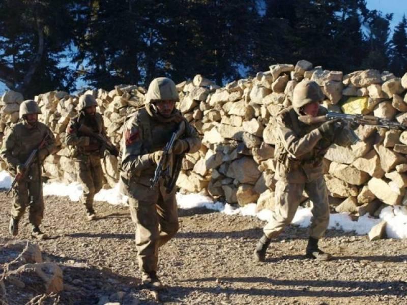 Forces kill ten militants near Pak-Afghan border