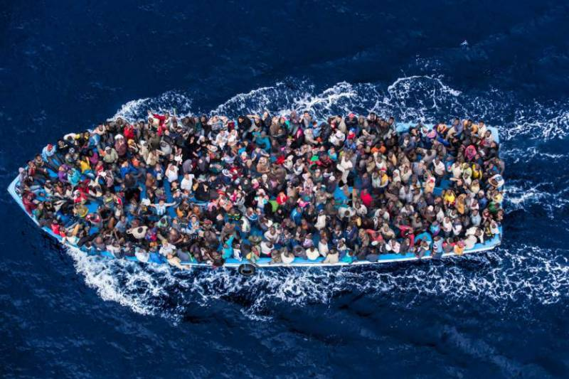 400 migrants died in boat capsize off Libya