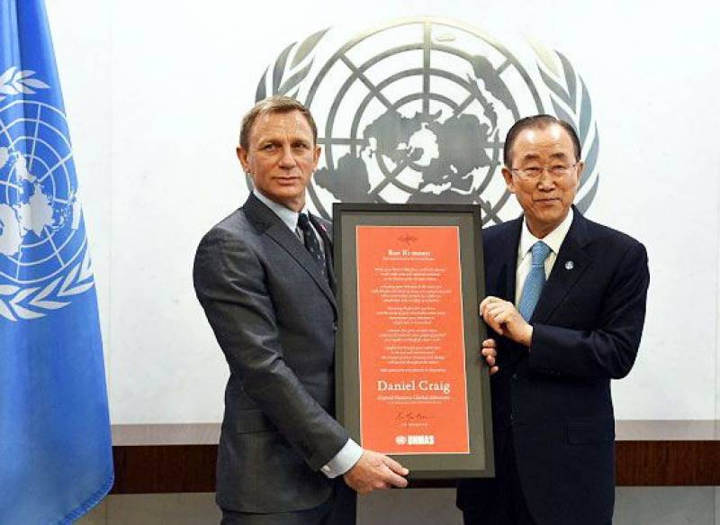 Bond gets UN's 'licence to save'