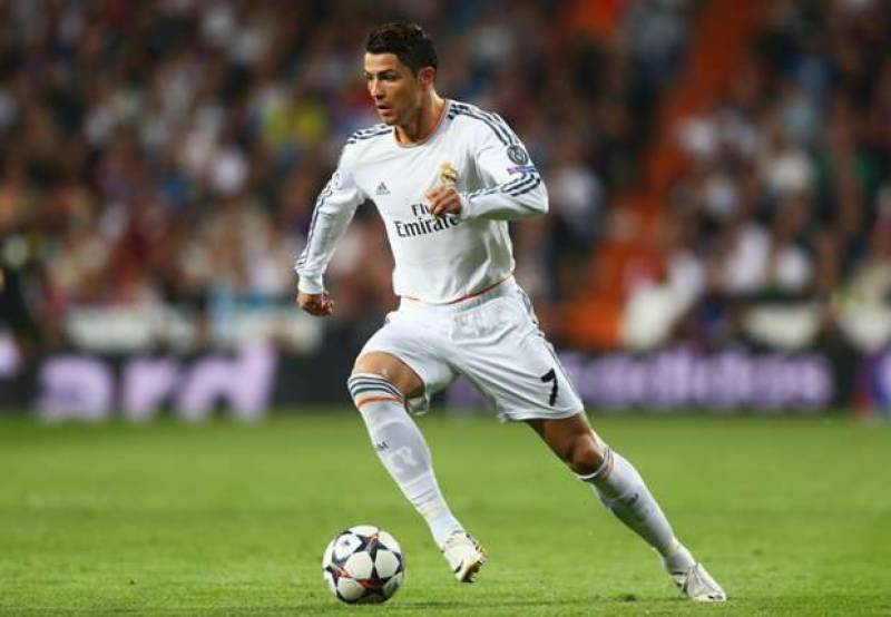 Ronaldo gifts his shirt to young fan after accidentally hitting him