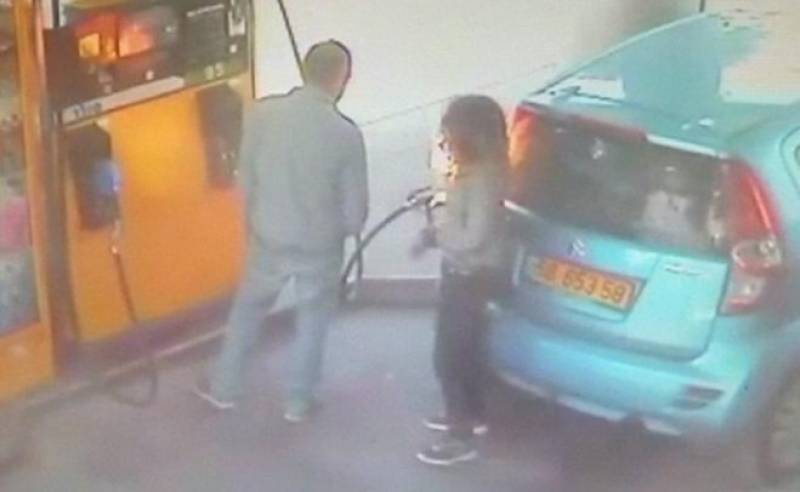 Israeli woman sets car on fire after being refused a cigarette