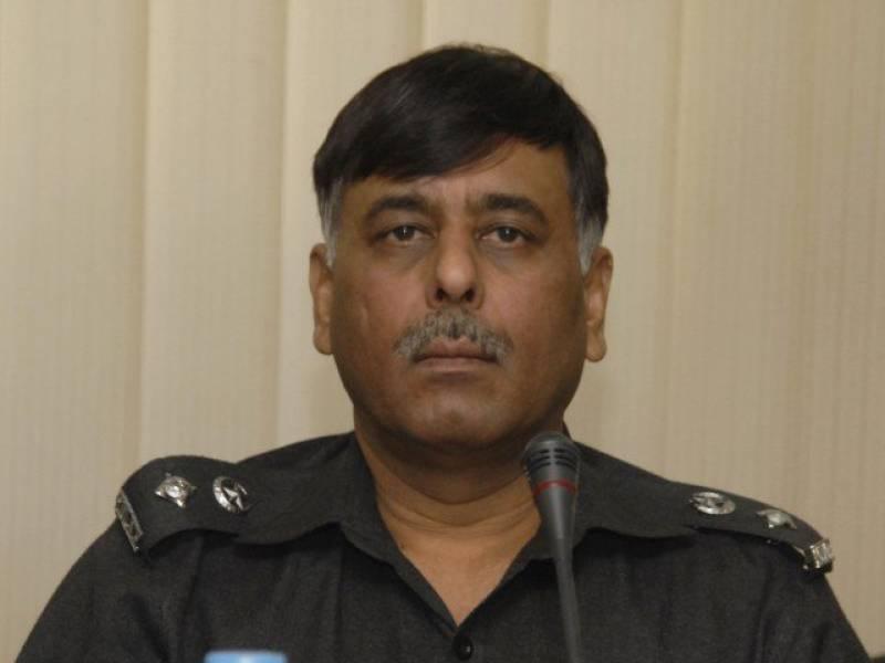 SSP Rao Anwar survives attack in Karachi