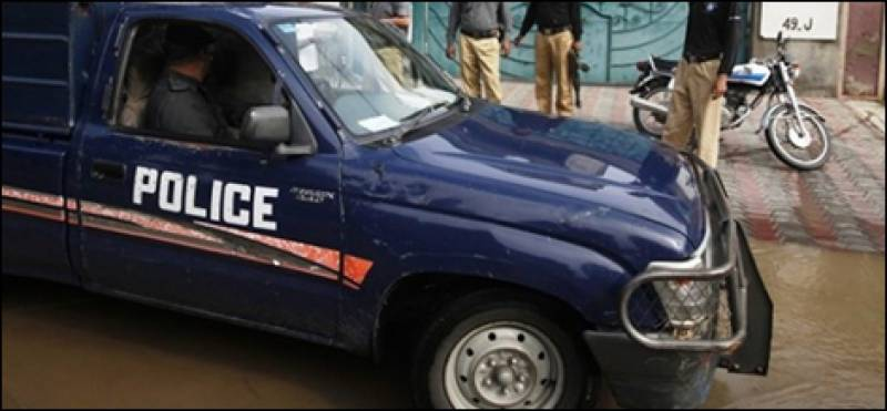 3 terrorists killed in trade of fire after police mobile attacked in Karachi