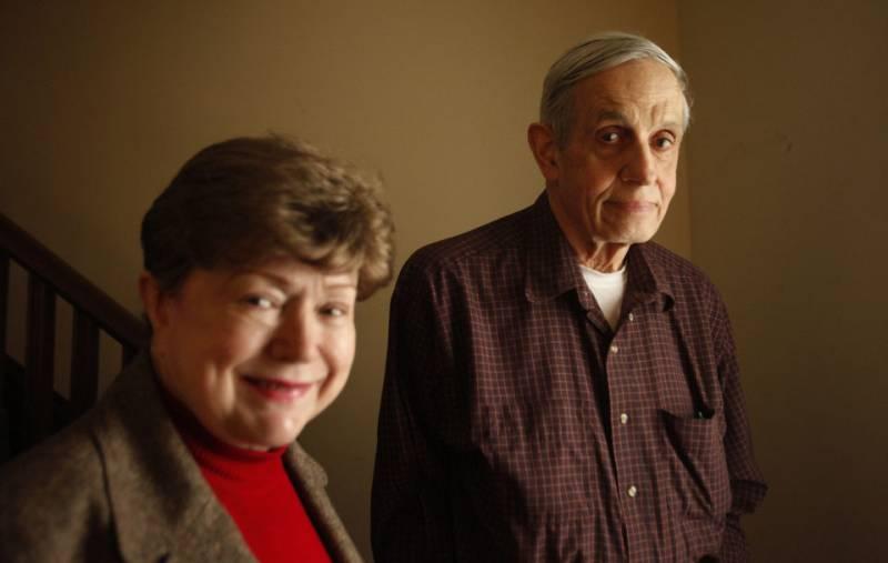 Nobel laureate John Nash and his wife killed in taxi crash