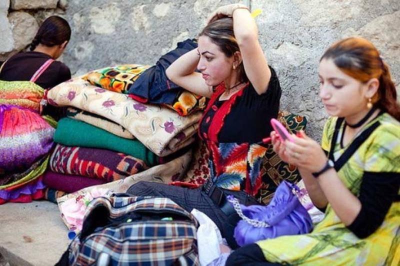 IS sells 42 Yazidi women to fighters