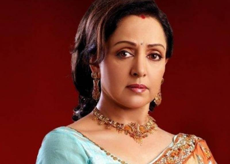 Hema Malini injured in road mishap