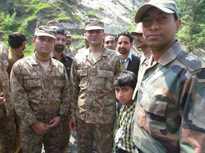 Indian Army Saves the Day for a young Pakistani boy