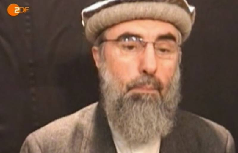 Hekmatyar announces support for IS in fight against Taliban, shocks the world