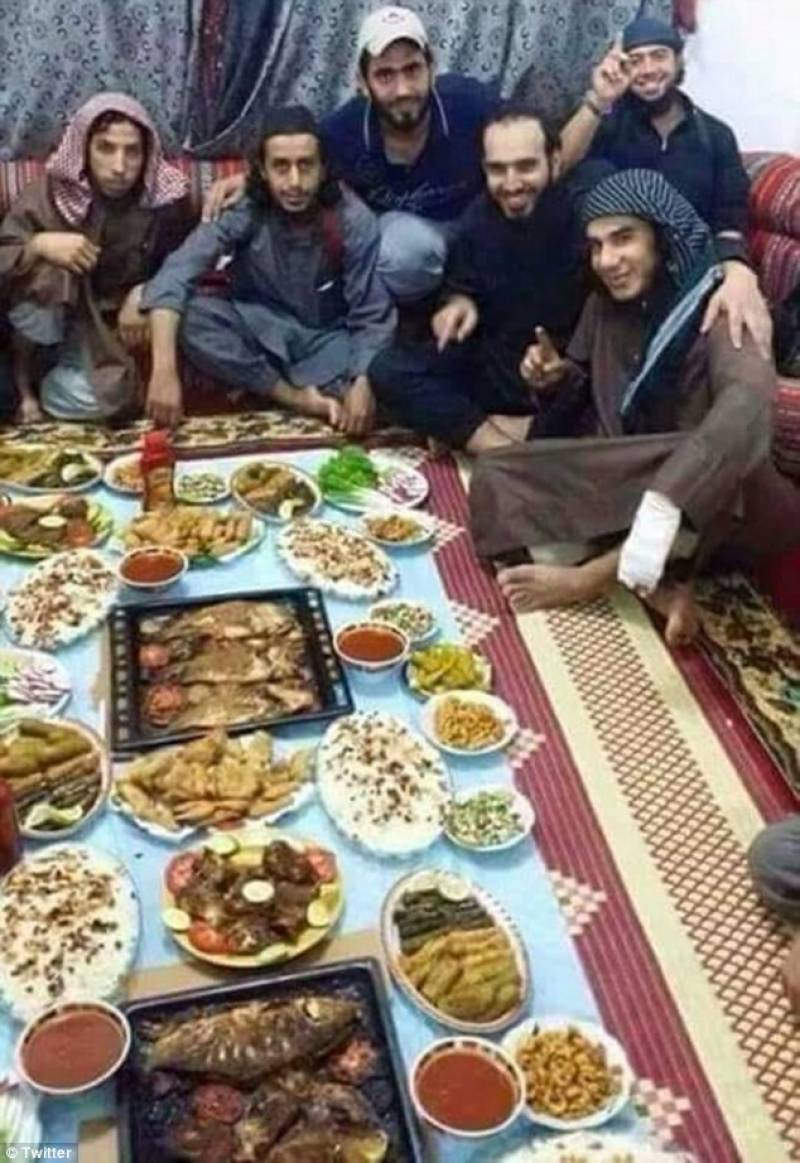 Dozens IS fighters die after consuming poisonous Iftar