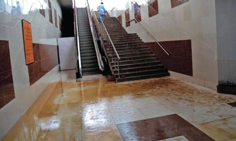 Haste makes waste: Islamabad-Rawalpindi Metro bus project floods with rainwater