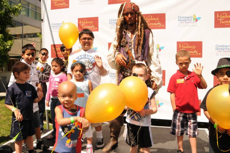 Johnny Depp visits children's hospital dressed as Captain Jack Sparrow