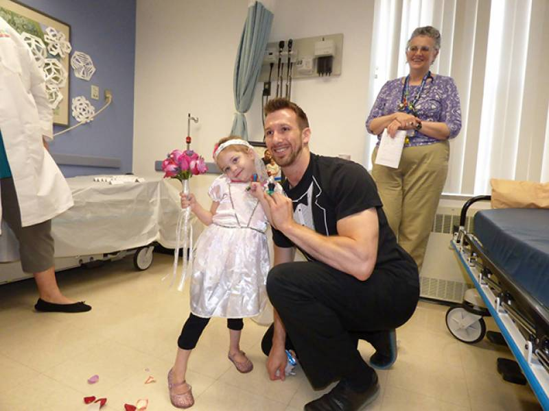Four-year-old cancer patient 'marries' favourite nurse