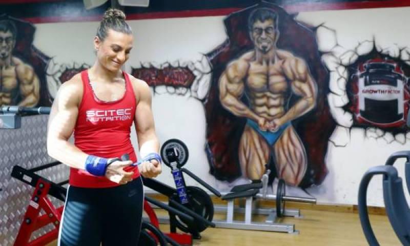 Arab female bodybuilder seeks recognition abroad