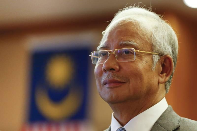 Malaysian PM sacks deputy after graft scandal criticism