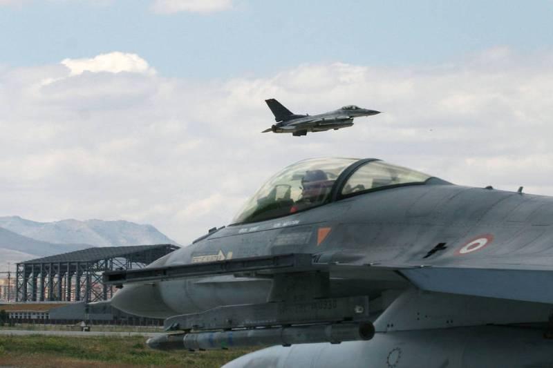 Nato discusses Turkey's fight against IS militants