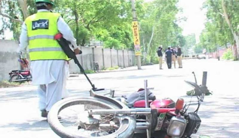 One terrorist killed, police constable martyred in Faisalabad gun battle