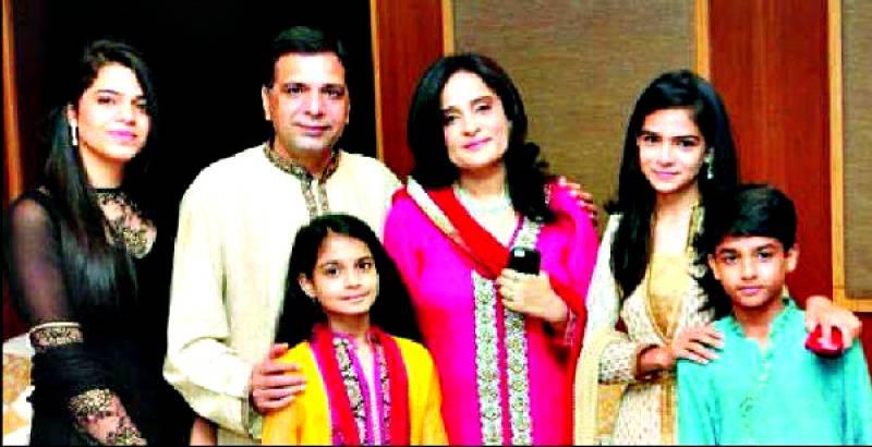 Muslim pilot praised by Indian court as he adopts kids of deceased Hindu friend