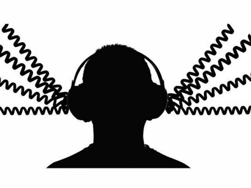 Govt tapping phone calls of 27 noted journalists: report
