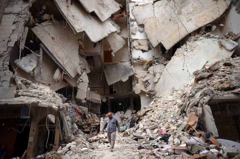 Over 240,000 killed in Syria conflict