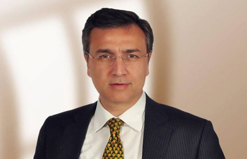 Moeed Pirzada's father dies in Dubai