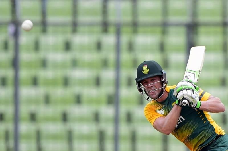 De Villiers fastest to reach 8000 ODI runs