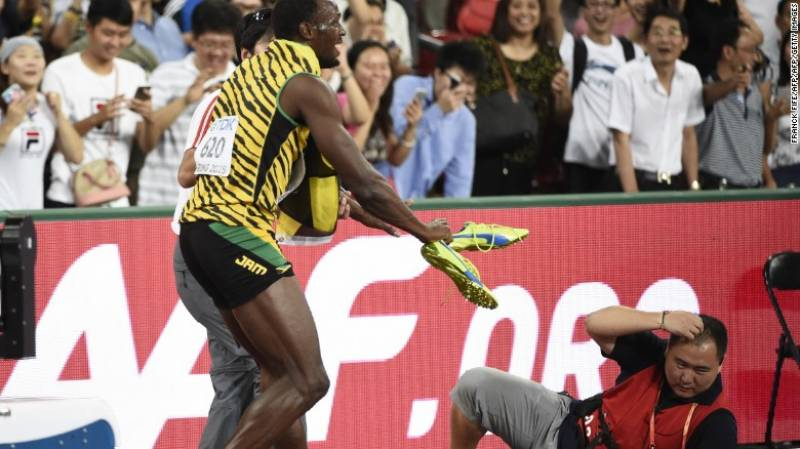 How a cameraman stopped Usain Bolt in his tracks
