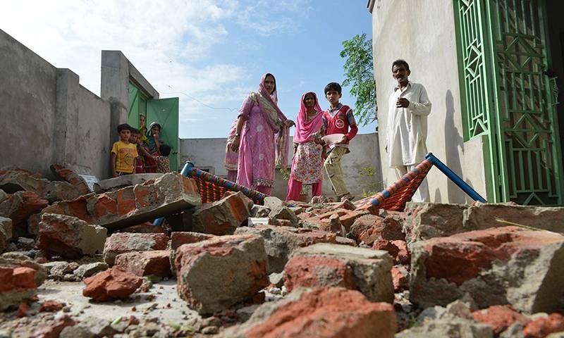 10 Pakistanis killed, 50 injured in Indian firing