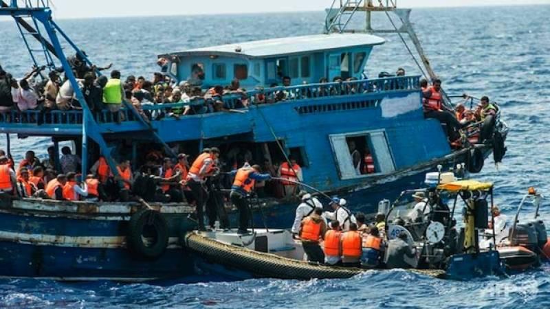 Ten die as boat with 200 migrants sinks off Libya