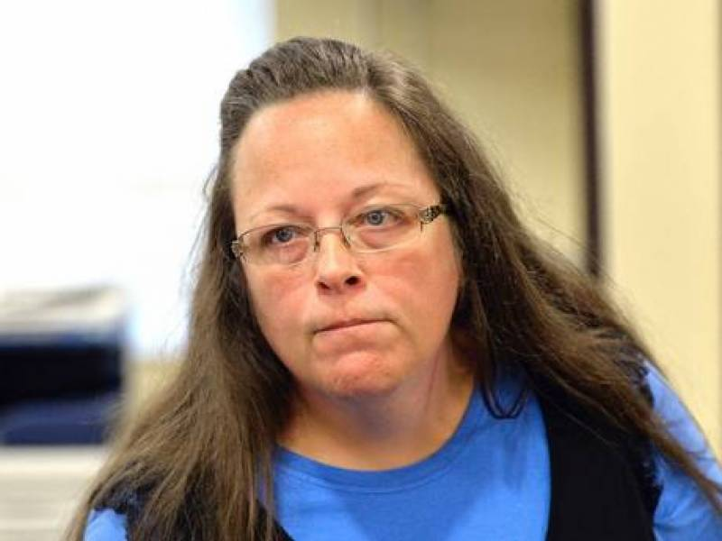 Gay marraiges: Defiant US clerk accepts jail for laws of God