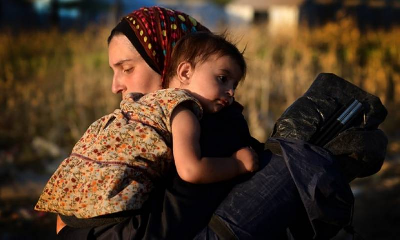 Australia to take in 12000 Syrian refugees; plans strikes on IS strongholds