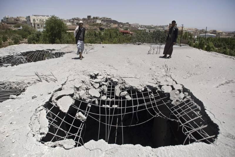 Saudi-led jets pound Yemen's interior ministry in Sanaa