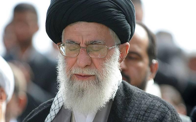Mina stampede: Iran's Ayatollah Khamenei calls for Saudi royals' apology