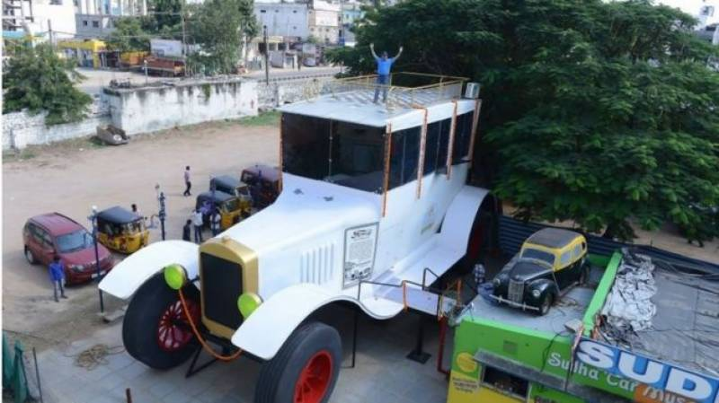Indian man eyes Guinness record with 26-foot-high car