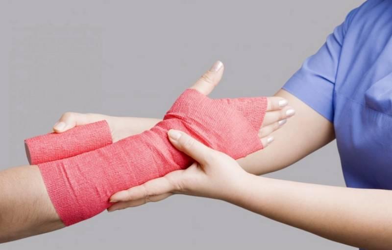 Aunt sues nephew for 'breaking her wrist by reckless hug'