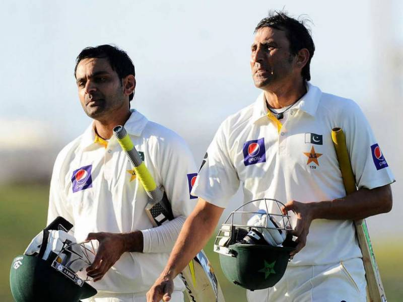 Pakistan 389-4 at lunch of second day in first Test