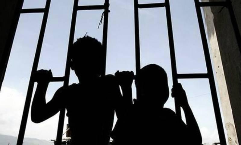 Teenage inmate complains of juvenile abuses in Peshawar jail