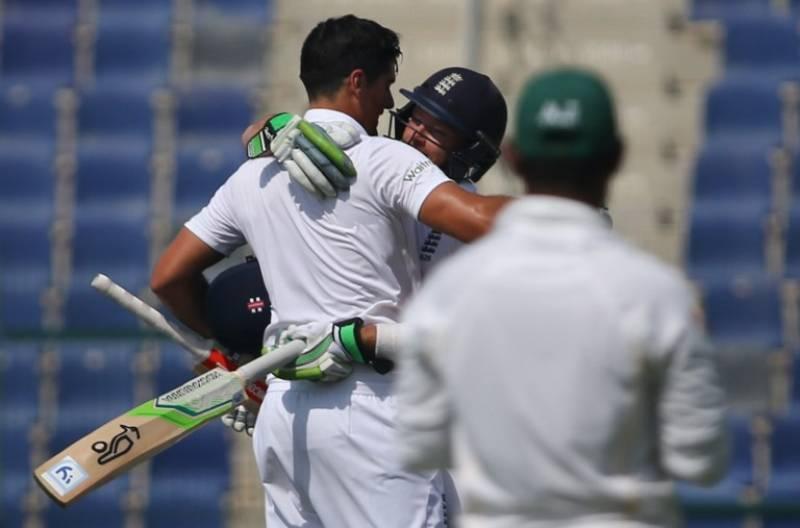 England 197-1 at tea, Pakistan 523-8 declared