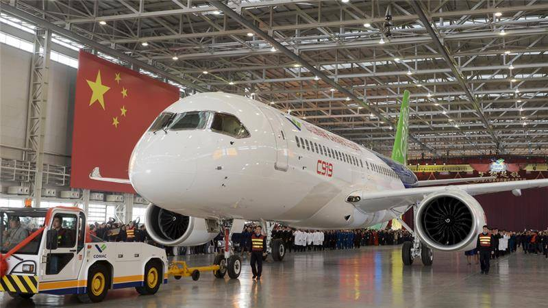 China unveils own jetliner in bid to compete with Boeing, Airbus