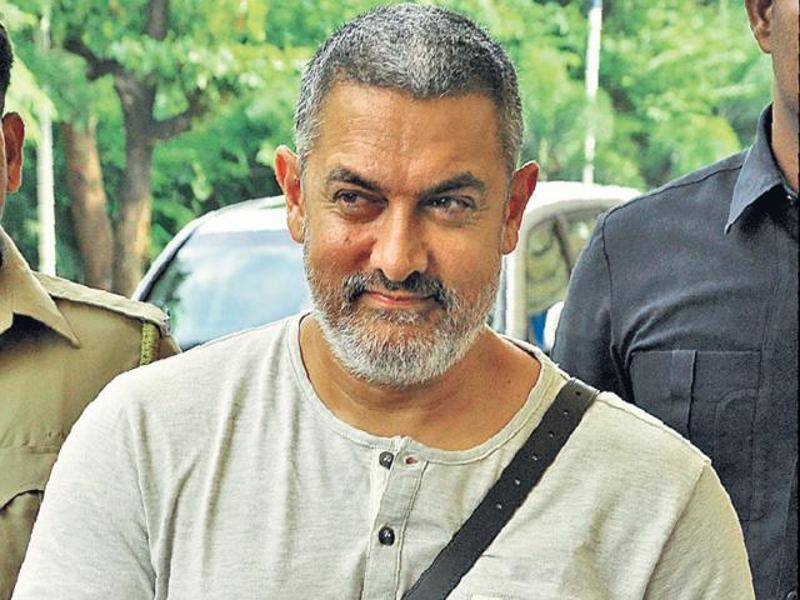Aamir Khan suffers shoulder injury during film shoot