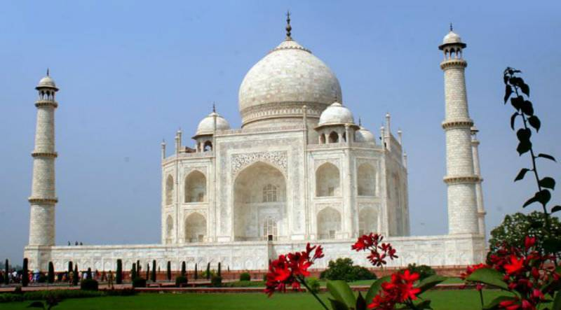 Taj Mahal is not a Hindu temple, Indian government to lawyers